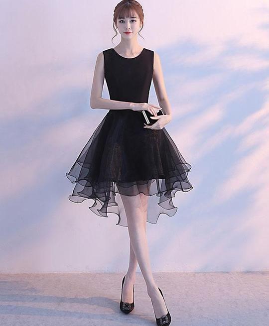 4b3238338ef Cute Black Tulle Round Neck Prom Dress