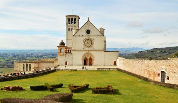 Dedicazione Basilica di San Francesco, 762 anni fa divenne la casa di tutti