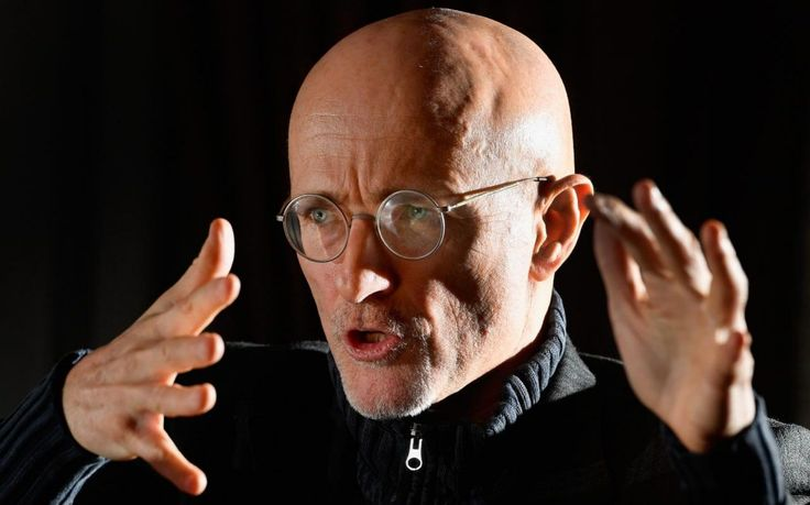 The world's first human head transplant has been carried out on a corpse in China in an 18-hour operation that showed it was possible to successfully reconnect the spine, nerves and blood vessels.