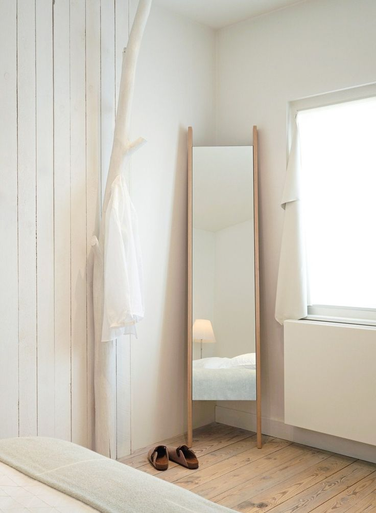 Freestanding mirror TRACK Reflect Collection by Reflect