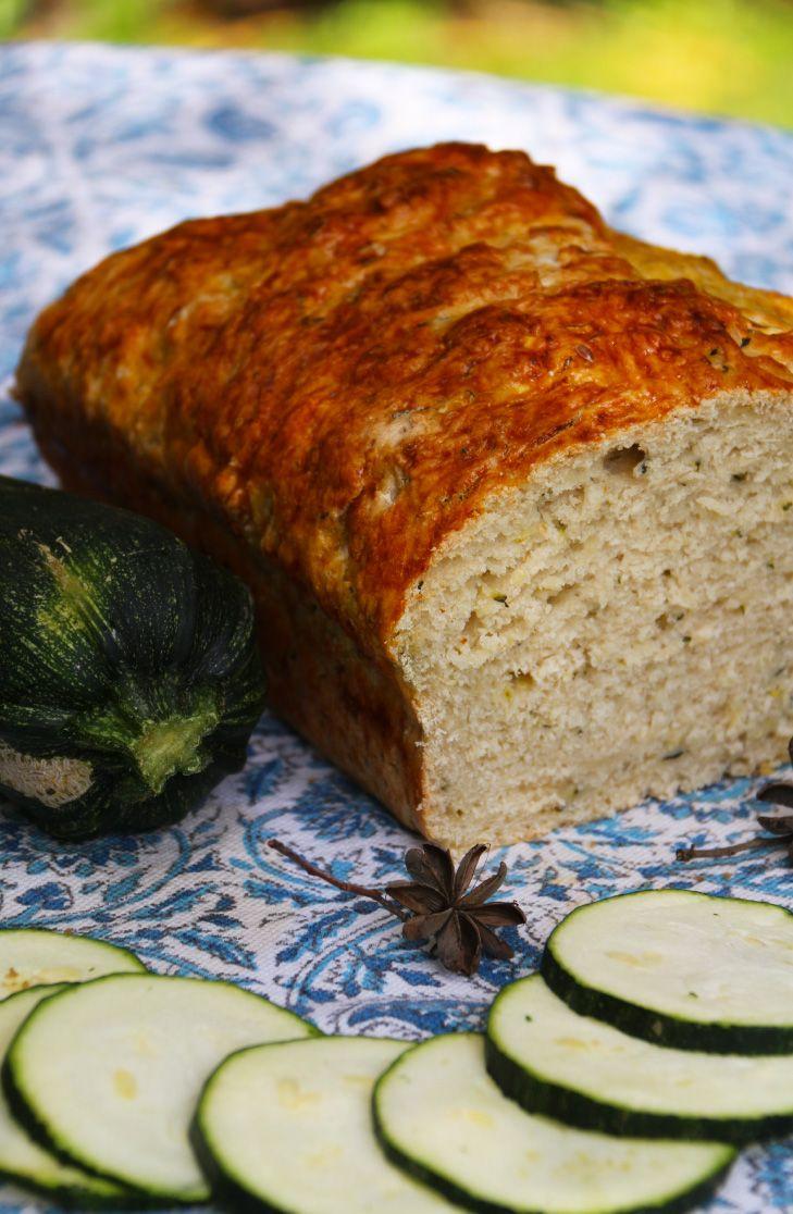 Pan de Zapallito - No se siente el sabor del zapallito. Siempre he encontrado que el zapallito no tiene tanto sabor, pero sí hace algo muy bueno en el pan: le da una rica textura húmeda y lo hace más esponjoso.