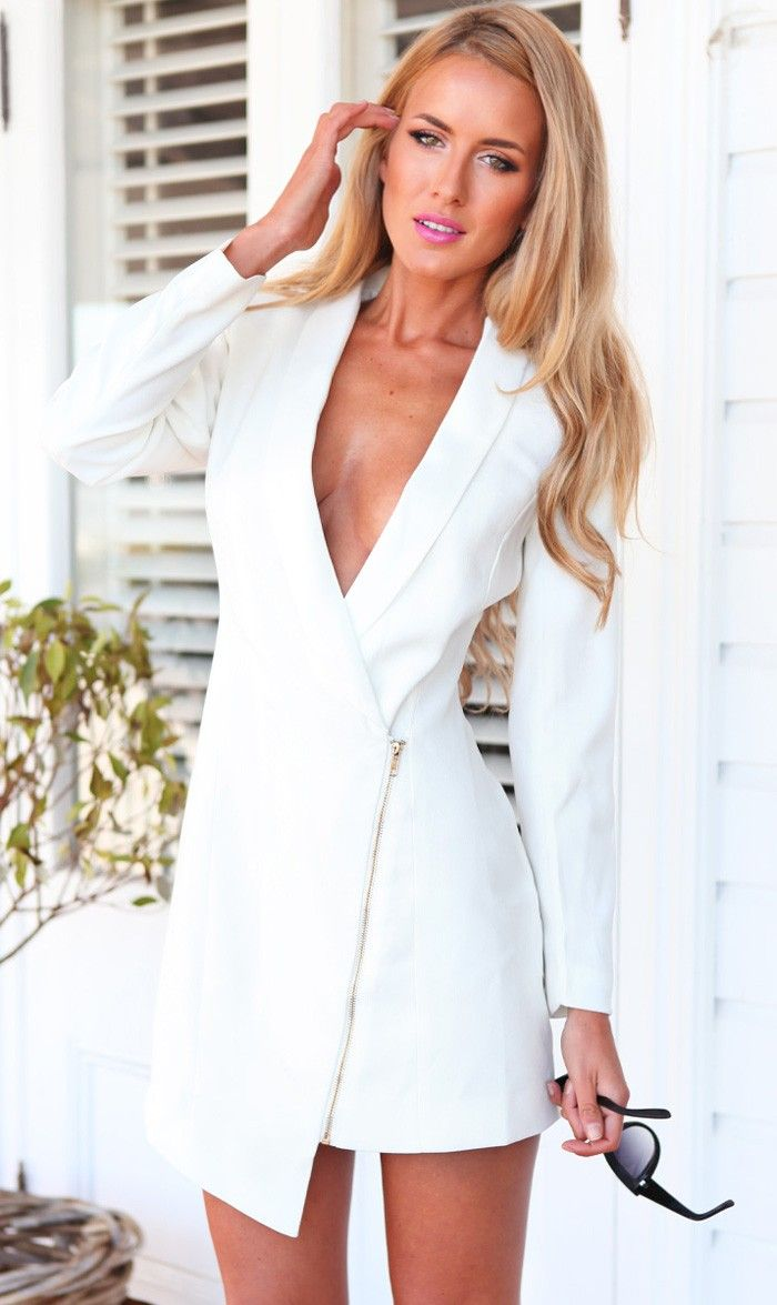 Mura Online Fashion Boutique | Memo Blazer Dress (white)