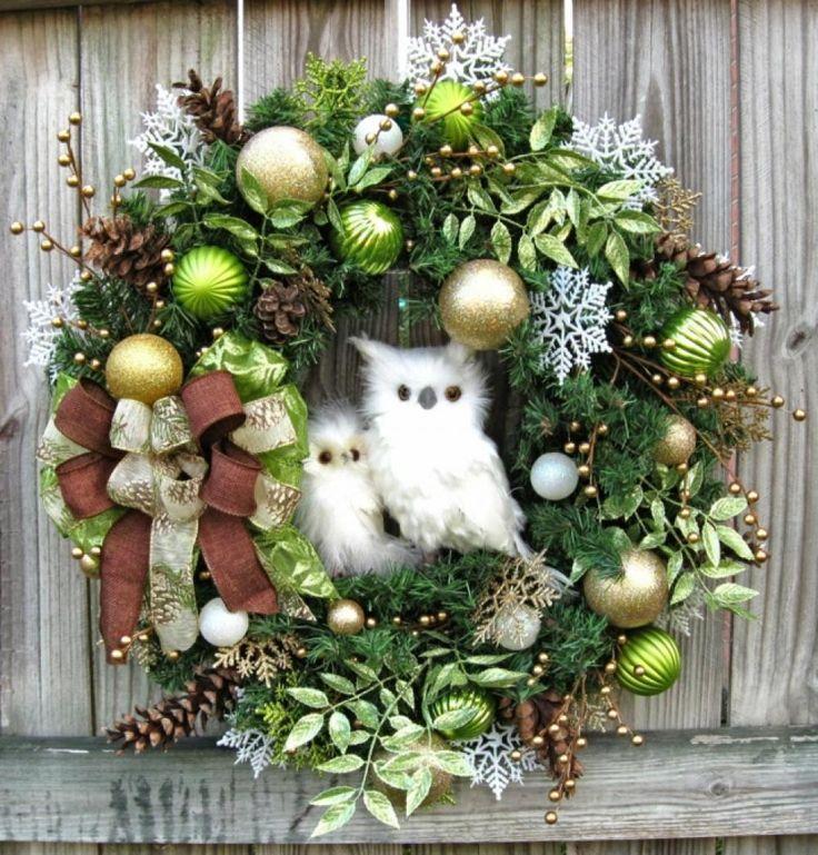 Les 25 meilleures id es de la cat gorie couronne porte sur - Idee decoration de noel exterieur ...