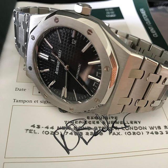 AP 15400ST...second hand...in stock now!   #menwithclass #wristporn #reloj #watches #instawatch #watchesofinstagram #watchoftheday #instafollow #watchoftheday #horology #dailywatch #wristgame #wristshot #rolex #hublot #audemarspiguet #richardmille #watchgeek #watchaddict #instalike #swag #thebillionairesclub #watchanish #rolexero #mondani#luxurylife#luxurystyle#richardmille#patekphilippe#enjoy#amazing