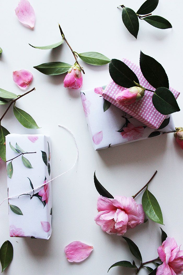 Poppytalk: Free Printables | Camellia + Gingham Wrapping Paper