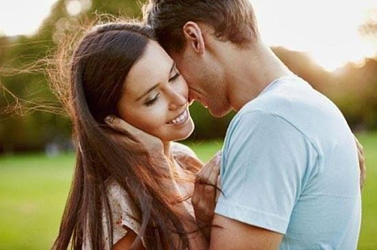 """""""Любовь идущую от сердца трудно почувствовать, потому что она молчалива. Она так молчалива, что кажется, что она отсутствует. Эта любовь не имеет своей противоположности, и что бы не происходило — она не переходит в ненависть."""" (Ошо)"""