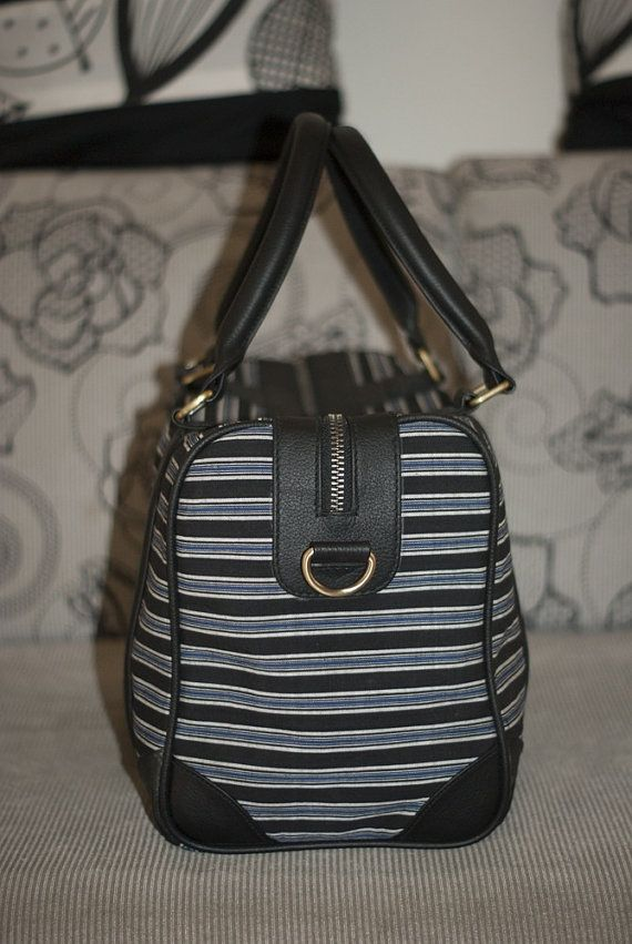 Laras satchel in black leather and blue black lurik by pitto
