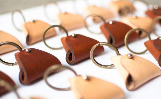 Avund-Goods-leather-logo-design-identity-branding-fashion-accessories-traditional-craft-6