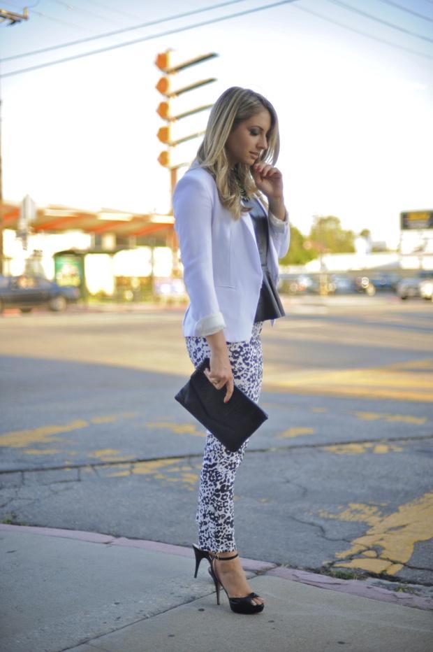 White blazer..need one!