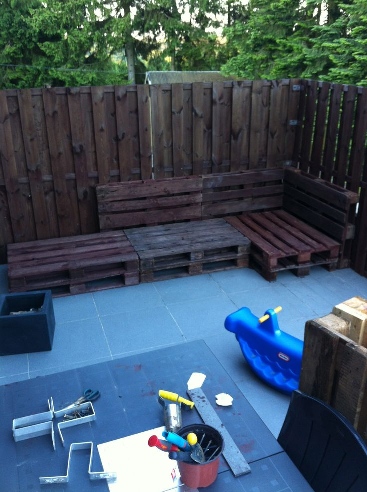 Our outdoor relax sofa made out of pallets pallet ideas for Sofa chill out exterior