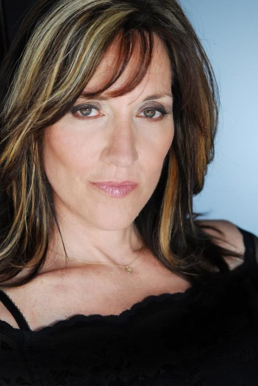 Gemma Teller Morrow The Best Friend Of Luann Delaney And Mother Harley Harper
