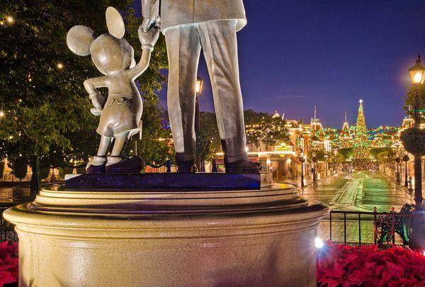 Ultimate 2013 Disneyland Christmas Guide