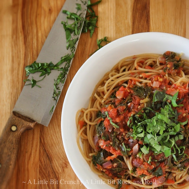 Grated tomato sauce with kale and basil | Food: Veggie-tastic sides ...