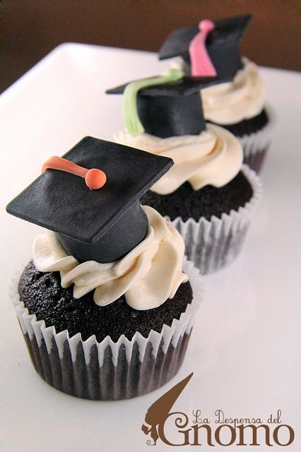 graduation cupcakes... Use a mini reeses cup and piece of chocolate to make a hat