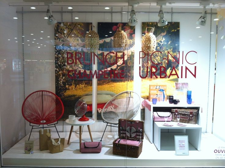 14 best vitrine brunch champ tre images on pinterest brunch glass display cabinets and chaise - La chaise longue strasbourg ...