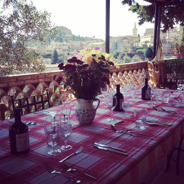 Table  al fresco on Villa Britannia terrace for the Sicilian cooking class !