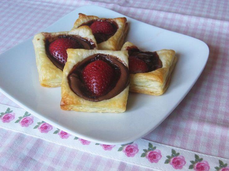 Moje Wypieki   Francuskie ciasteczka z nutellą i truskawkami