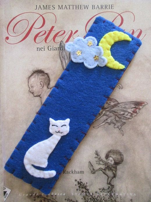 Cat bookmark - Felt bookmark - Handmade - for Readers - Bookish - Moon bookmark - Bookworm - Segnalibro in feltro con Gatto e Luna  Handmade  di TinyFeltHeart