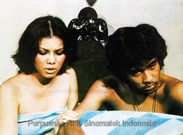 #10 Suci Sang Primadona (Arifin C. Noer), 1977