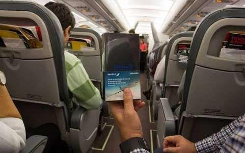 Samsung a Oferit Sute de GALAXY Note 8 GRATUITE Pasagerilor unui Avion (VIDEO)