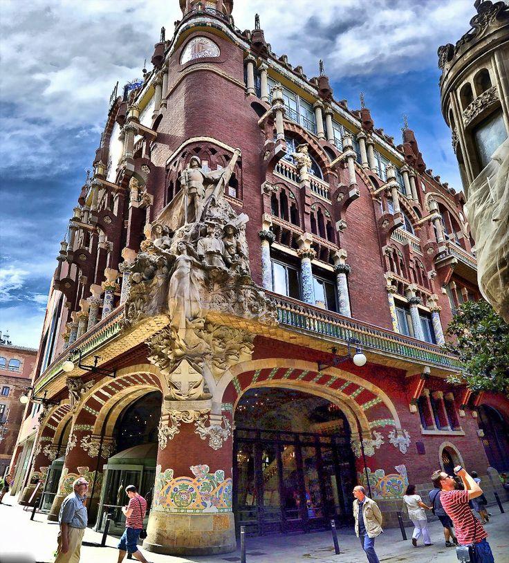 Palau de la Música - construido - 1905- 1908 arquitecto. Lluis Doménech i Montaner    Barcelona, UNESCO, World Heritage Site 1997