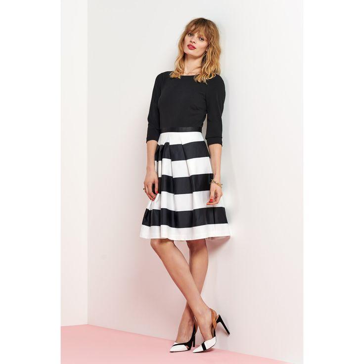 Zwart wit gestreept jurkje steps
