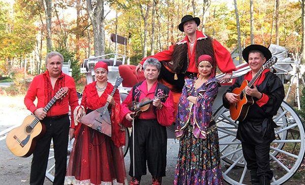 Moscow Gypsy Army, Московская цыганская армия, Pocono Mountains, Pennsylvania, Gypsy dancers, Gypsy singer, Gypsy music, Gypsy show, Цыганское шоу в горах Поконо, штат Пенсильвания