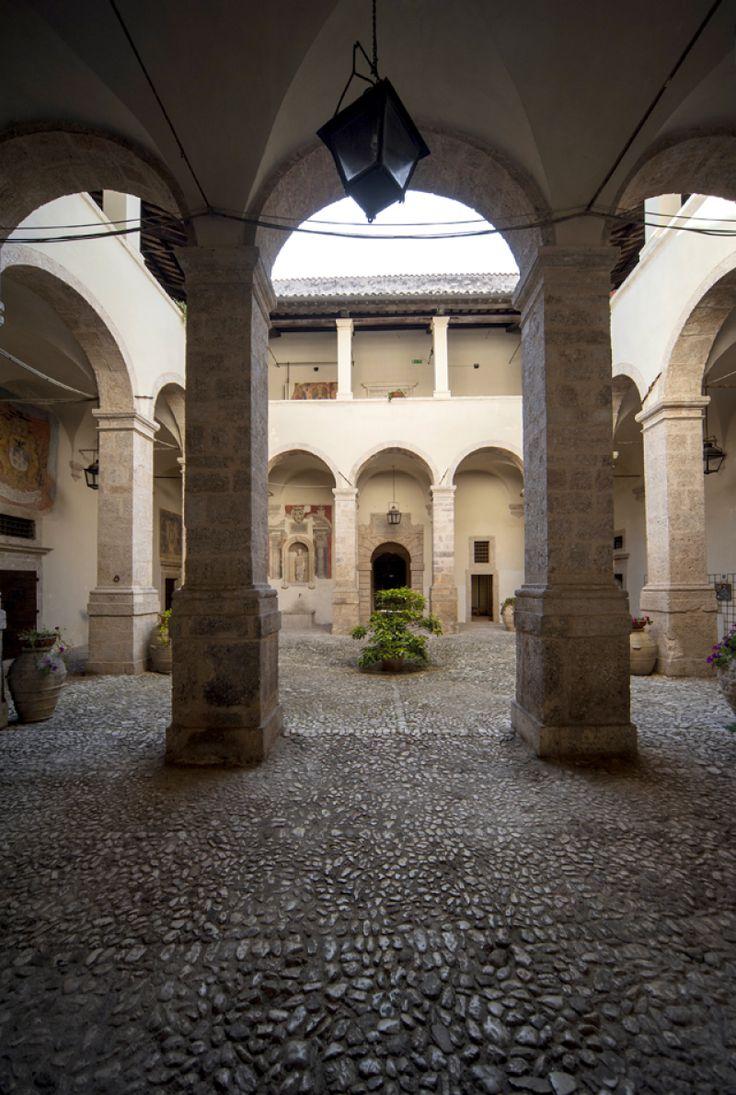 Interno della Castellina - Norcia - Valnerina