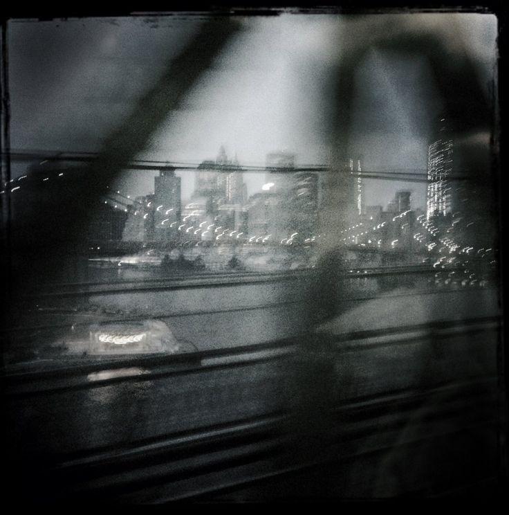 Nueva York a través de un iPhone | Fotogalería | Actualidad | EL PAÍS  El horizonte de la ciudad al atardecer, visto desde el puente de Manhattan, 2 de marzo de 2014. ANDREW LICHTENSTEIN (CORBIS)