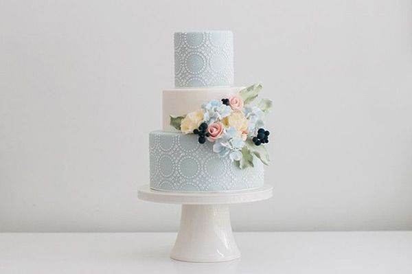 Simple-white-and-blue-wedding-cake