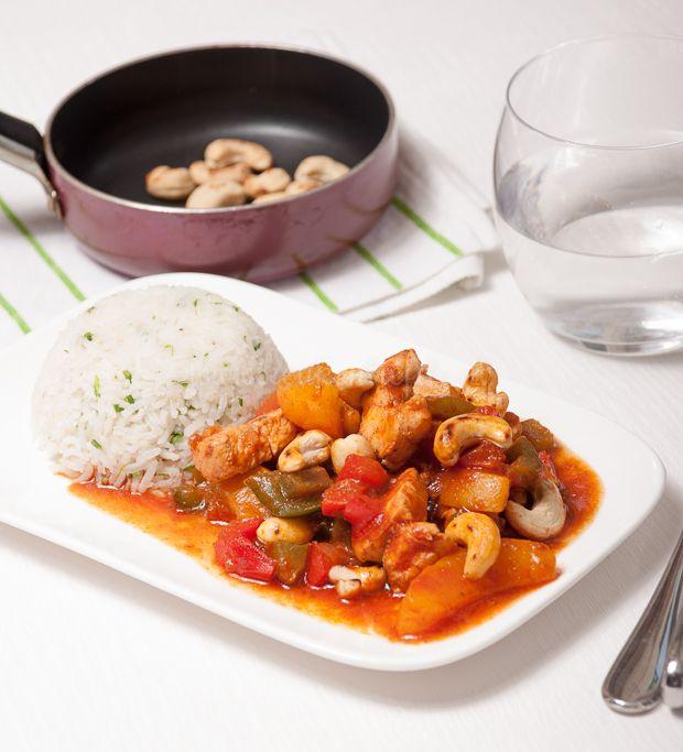 Kip pilav met perzik en cashew