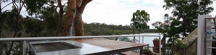 Afternoon drinks on the deck! Hope Island Views Bed and Breakfast, minutes from Sanctuary Cove, World class golf courses and the big Theme parks here on the Gold Coast