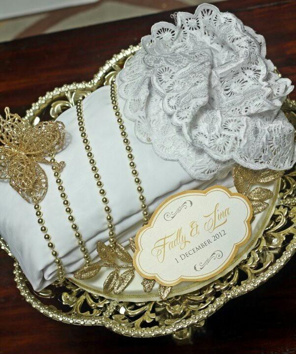 Malay Wedding Gifts: 17 Best Images About Hantaran Kahwin/Tunang On Pinterest