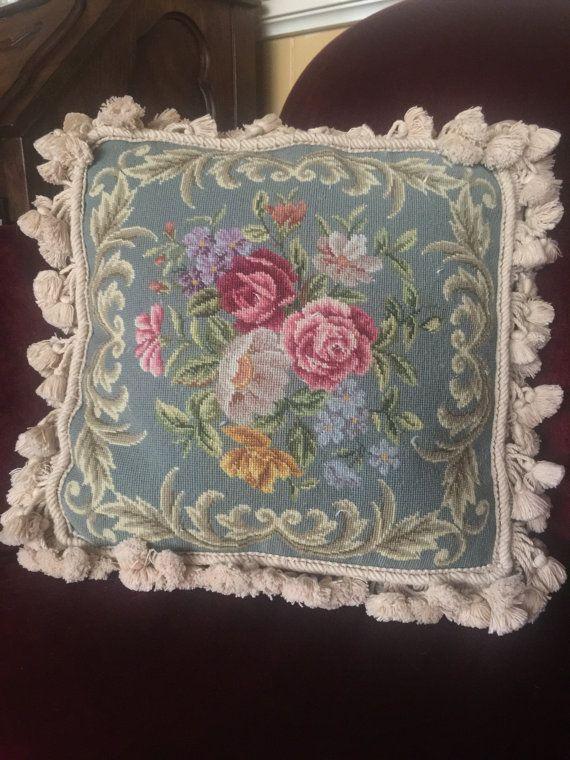 Aubusson paese francese cuscino di Rose floreale nappa frangia peti punto Mezzopunto