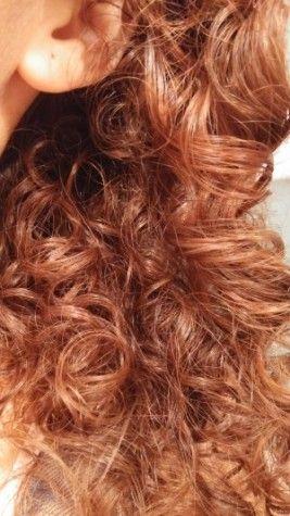 Laver ses cheveux au Shikakai, oui c'est possible ? Une poudre ayurvédique, venue d'Inde qui nettoie parfaitement les cheveux! Cheveux légers et brillants