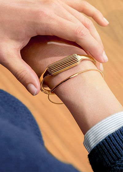 Flex 2 in a 22k-plated gold bangle.
