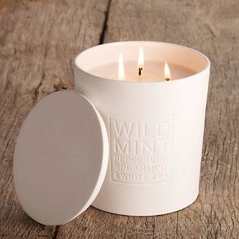 I like the design on this three wick candle.