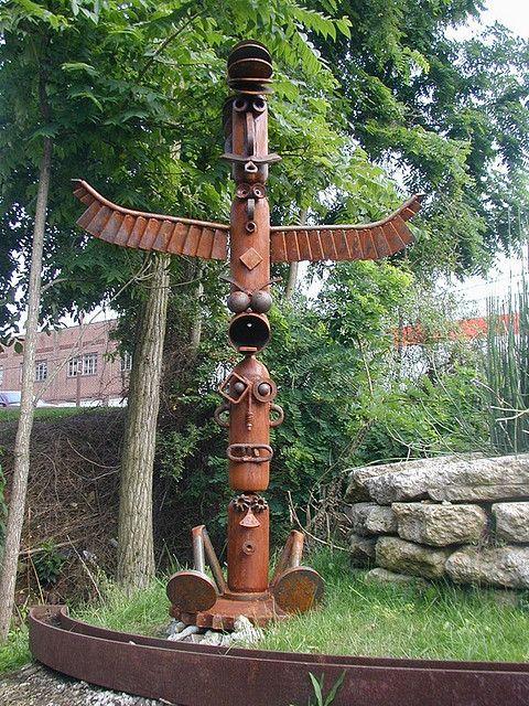 Scrap Yard Family Totem - by Stefan Bonitz (Steebo Sculptures), via Flickr