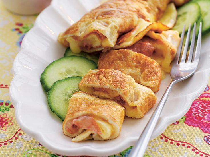 Omelettrulle med ost och salami | Recept från Köket.se