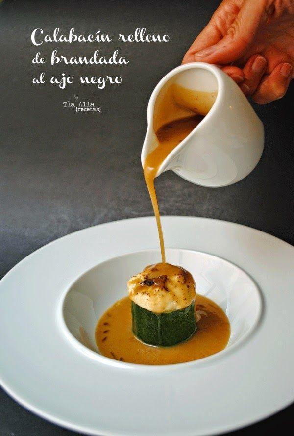 Tía Alia Recetas: Calacacín relleno de brandada cremosa de bacalao al ajo negro