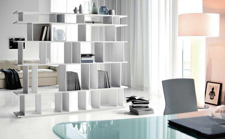 Slice Book Shelf de & Tradition by KiBiSi. Librero de madera, que puedes armar como quieres para que quede perfecto en tu hogar. #Nordika #Interiores #librero