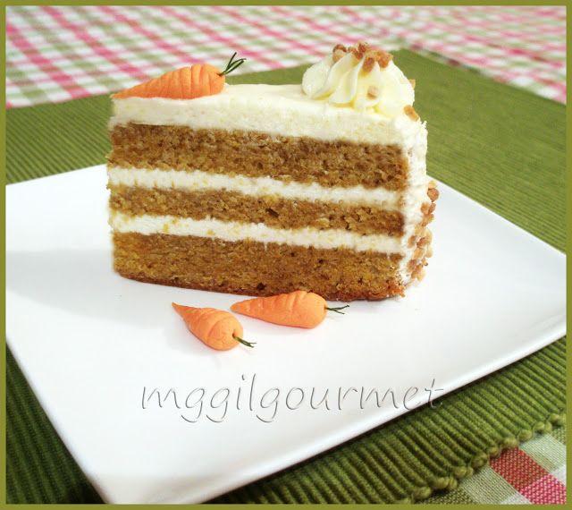 tarta de crema comiendo