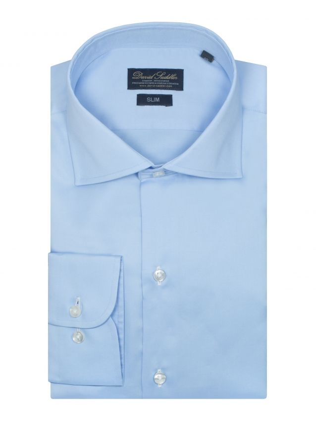 The blue shirt Firenze for men boasts a classic and sober style. In pure stain-resistant Satin cotton, the solid sky blue garment is the must-have of every man.