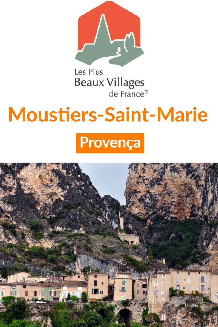 #Moustiers-Saint-Marie na #Provença, uma das mais belas vilas da #França
