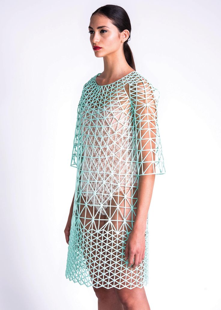 danit-peleg-creates-full-3d-printed-fashion-collection-at-home-11