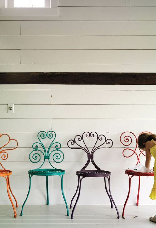revive a vintage chair with a bright pop of color. -- lordy oh lordy where can i find a chair like that?