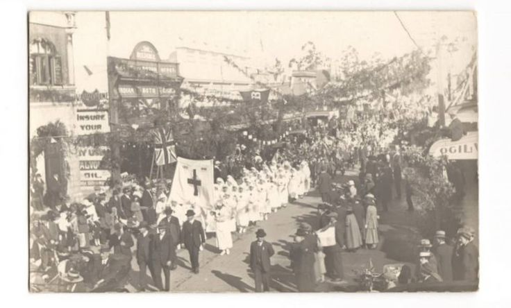 Real Photograph of The 1919 Peace Parade in Masterton. - 69822 - Postcard - Postcards Wairarapa-Bush. - Postcards New Zealand - Postcards By Country - EASTAMPS