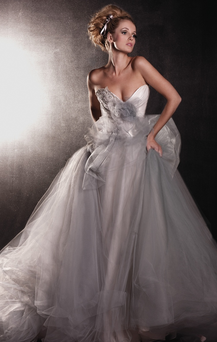 Ravishing Wedding Gown.By Zanzis Couture