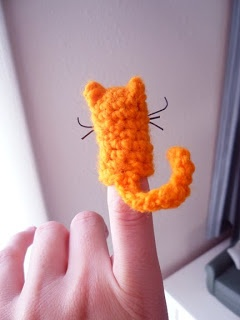 Yarn Cat - Finger puppet - free pattern