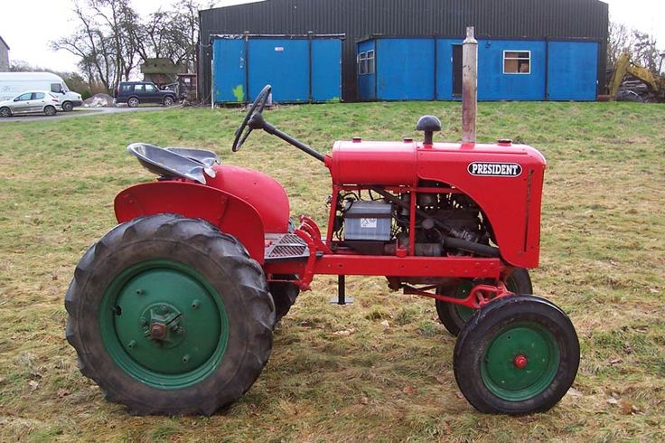 This BMB President Tractor is a standard model. The tractor was made in 1948/49. It has a belt and pulley and has also been fitted with twin seats (an added extra). There are no hydraulics.
